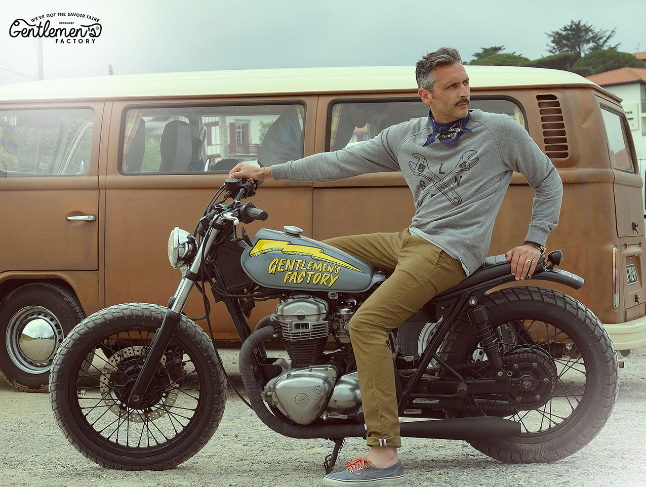Laurent Scavone créateur de Gentlemen's Factory sur une Kawasaki w650, moto custom