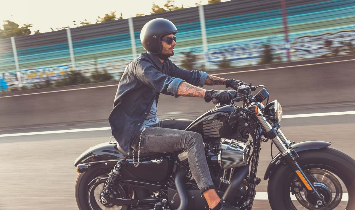 Chemise denim véritable, look biker, Harley Davidson, custom moto, custom culture